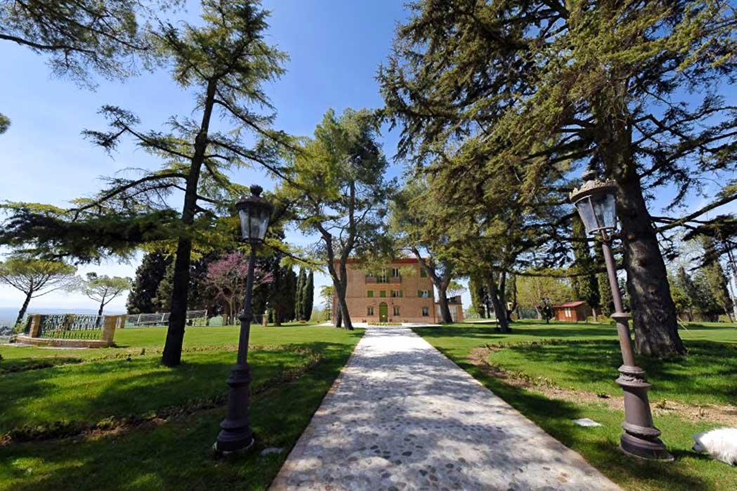 Villa-Montecassiano-progetto-di-recuper-architetto-Marinelli-forniture-edili-Natalucci-design-partner