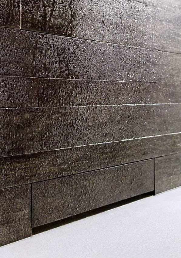 Geberit-sifone-doccia-incassato-nella-parete-e-personalizzato-con-rivestimento-bagno